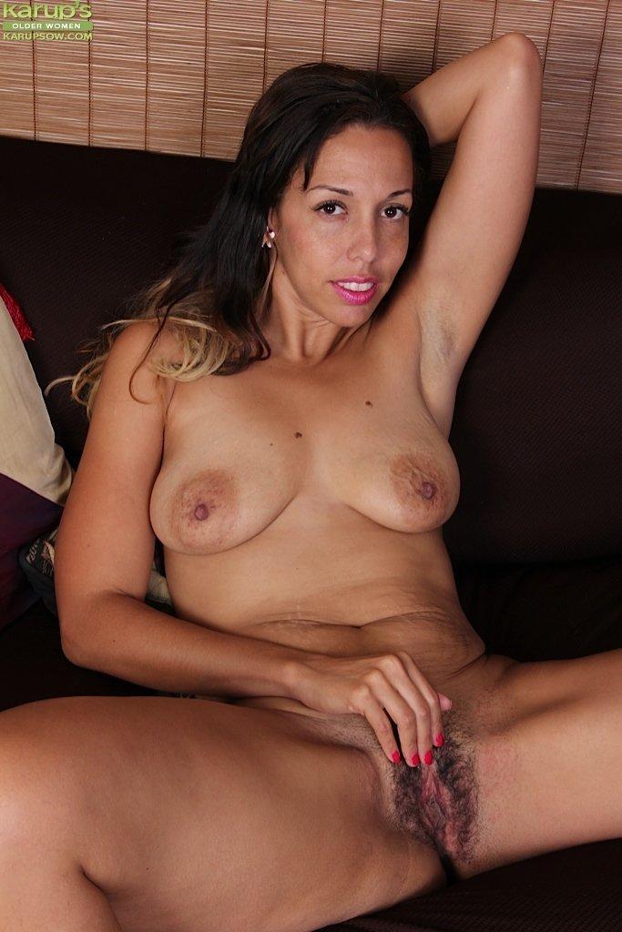 free nude latino girl poc