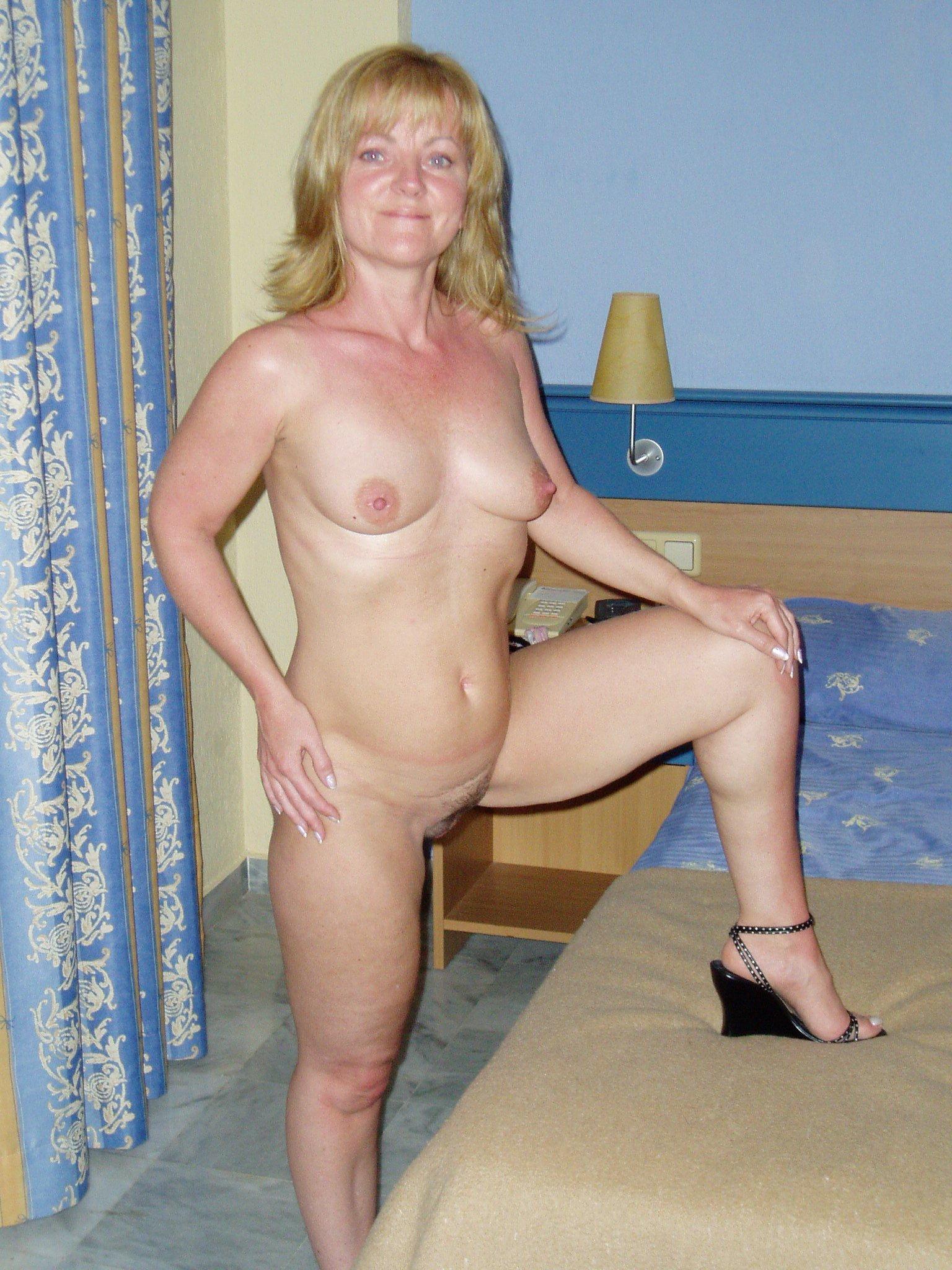 Amateur Mature Porn Photo amature naked mature woman. hot porn 100% free pic. comments: 1