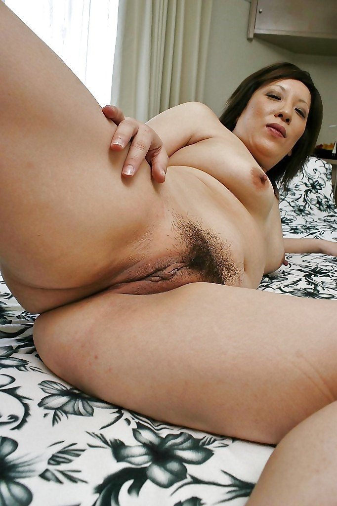 japanese old mature pussy open