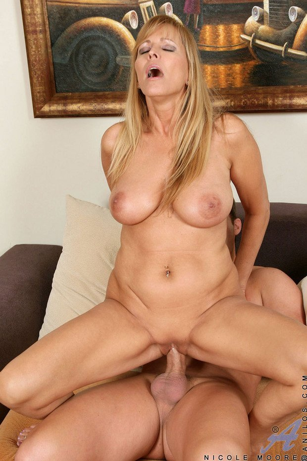Amateur private mature wife pam