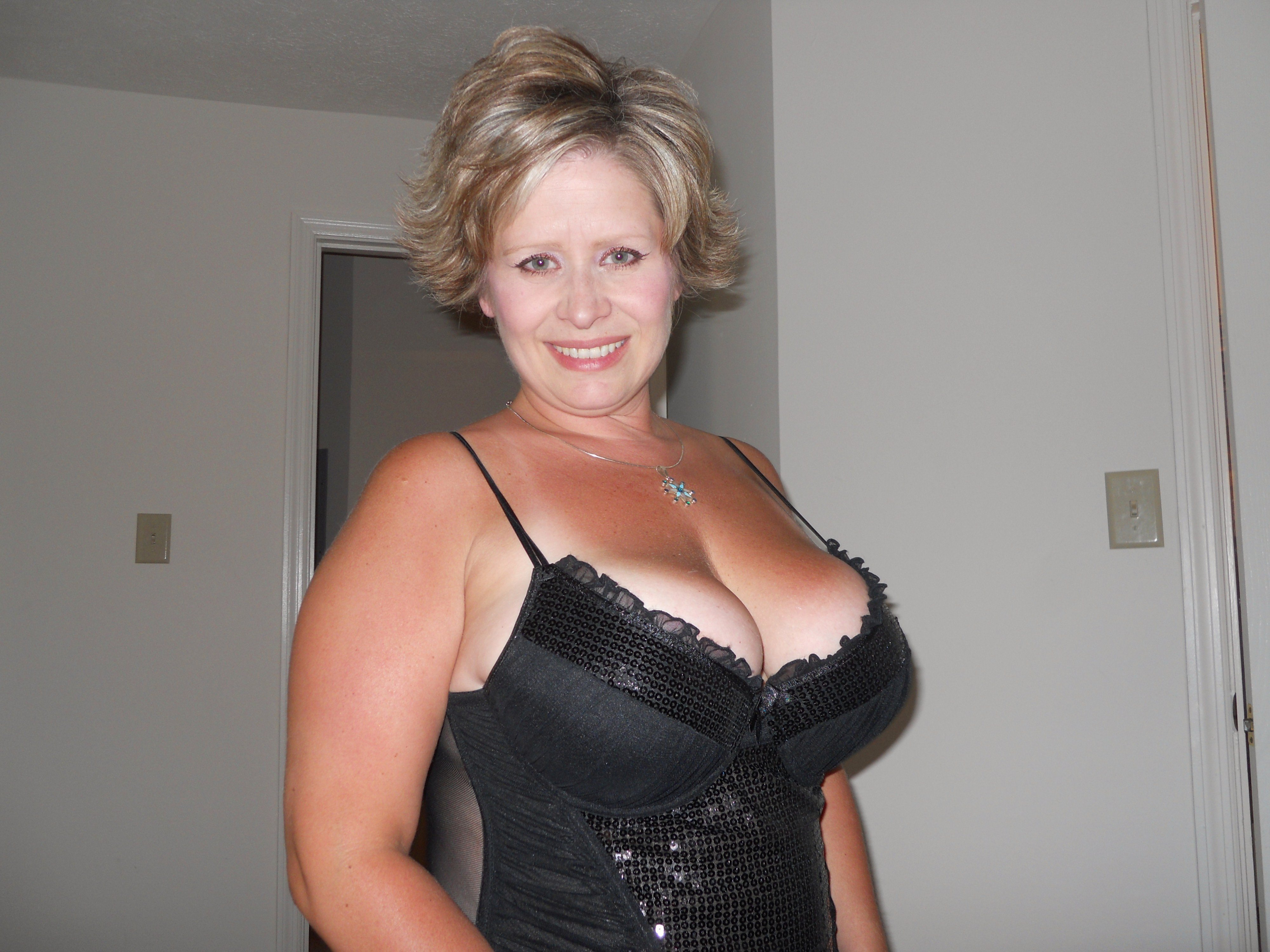 Busty granny pictures