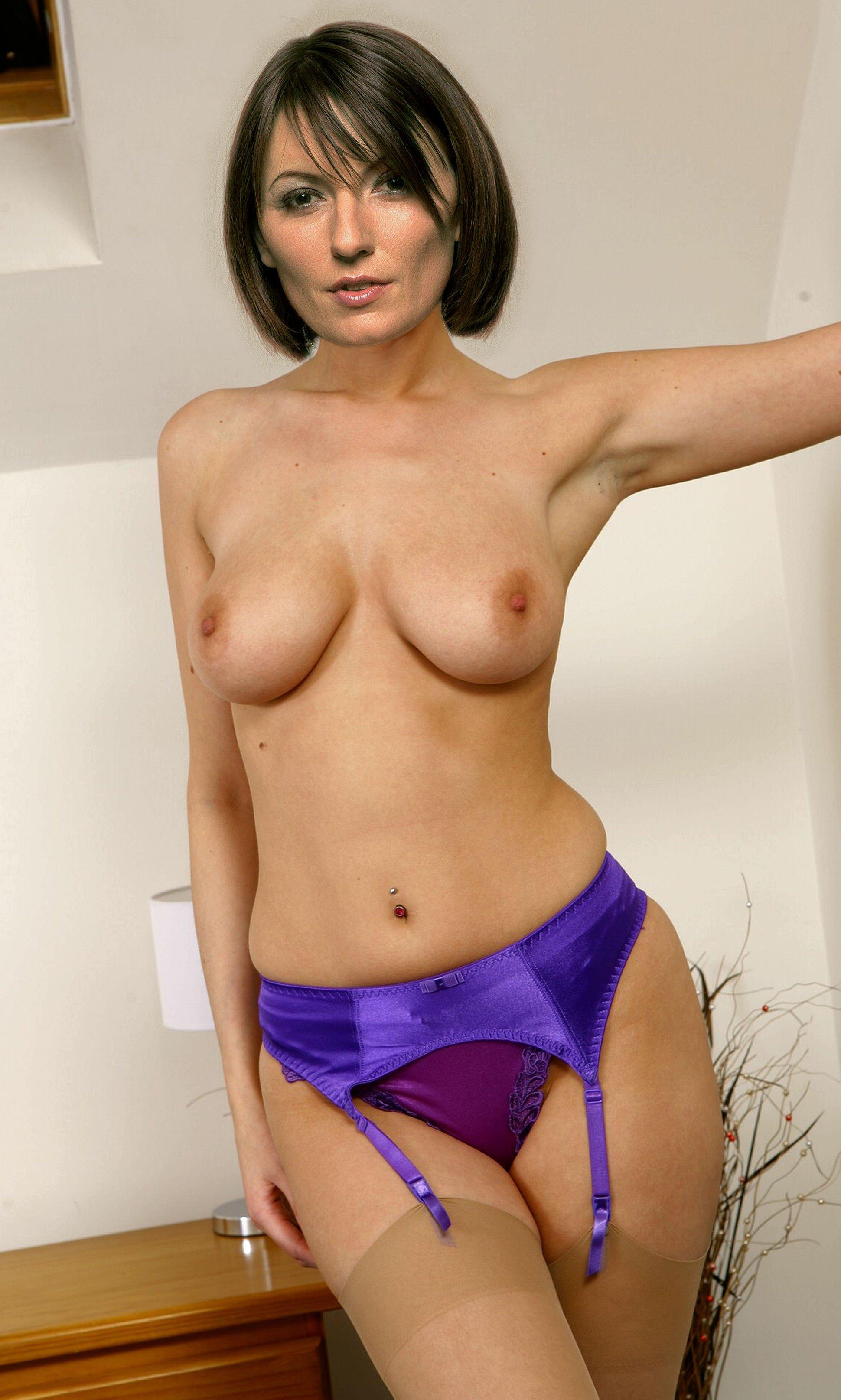 Davina Mccall  nackt
