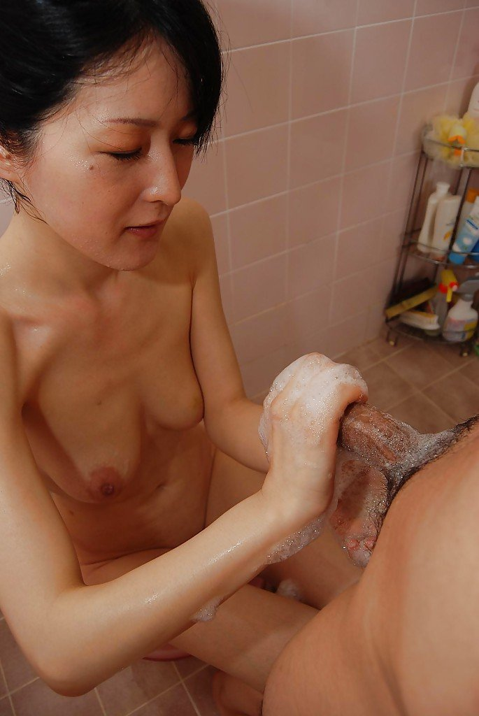 Mature japanese handjob