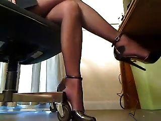 best of Under desk legs
