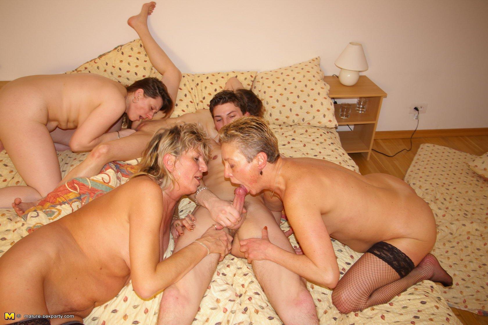 Senior mature group xxx nude pics