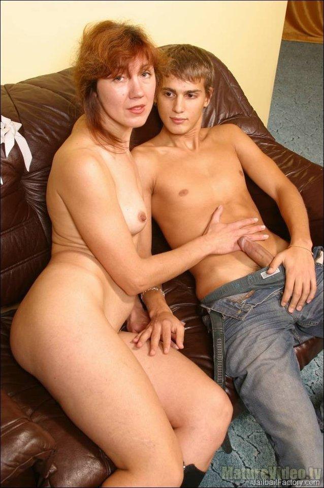 Naked mom porn Son Mom